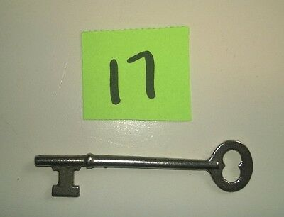 Antique Vintage Victorian Fancy Iron Skeleton Key - Doors Furniture  Boxes #17