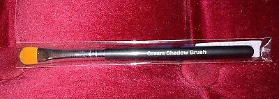 Younique Cream Shadow Brush, Brand New In Packet - Rrp £12