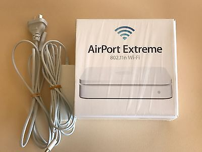 Apple Airport Extreme Router (MD031X/A) A1408 VGC