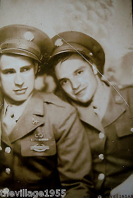 Postcard / Two affectionate military men / Gay Interest