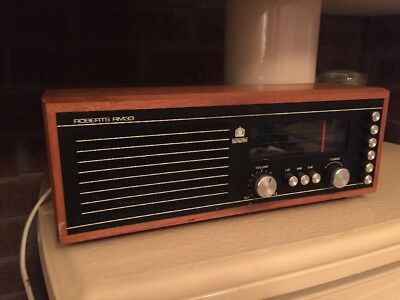 Quality Vintage Roberts RM33 LW/MW/VHF Radio in Working Order great condition