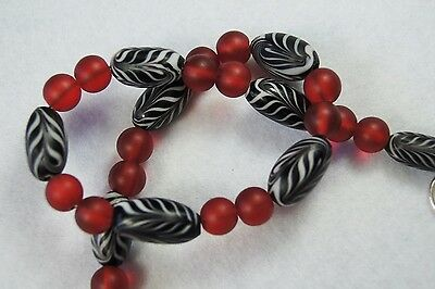 Black and White and Red Glass Bead Necklace - E 057