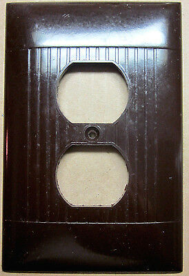1 vintage XL Jumbo Sierra art deco brown bakelite ribbed lines outlet cover DO-8