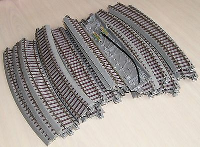 TRACK - ROCO HO Geoline Track with roadbed - Extra Large oval - 24 Pieces NEW!!!