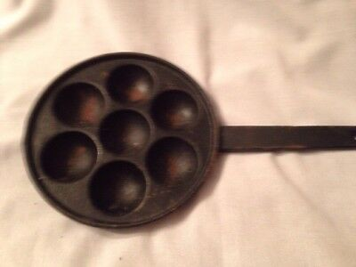 VINTAGE CAST IRON EGG POACHER PAN or muffin pan  8 INCHES in dia  NUMBER 7 NICE