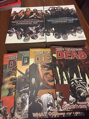 The Walking Dead Compendium 1, 2 And Novel 17-20