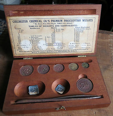 OLD CHICHESTER CHEMICAL CO PREMINUM PRESCRIPTION WEIGHT SET in WOODEN CASE