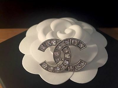 CHANEL 2017 Crystals & Silver Small CC Brooch CC Pin ** Brand New ** Harrods**