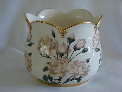 THE  SMITHSONIAN COLLECTION GOEBEL VASE w/ WHITE ROSES, GOLD TRIM, no box