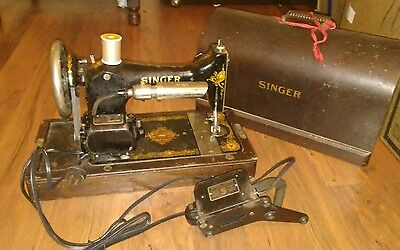 ANTIQUE SINGER SEWING MACHINE MODEL 28 w WOOD CASE,1912 to 1923 electric