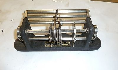 PIG TAILOR   Vintage Wire Stripping Tool  PT-1A