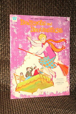 1971 Walt Disney's Bedknobs And Broomsticks Paper Doll Book Complete And Uncut!