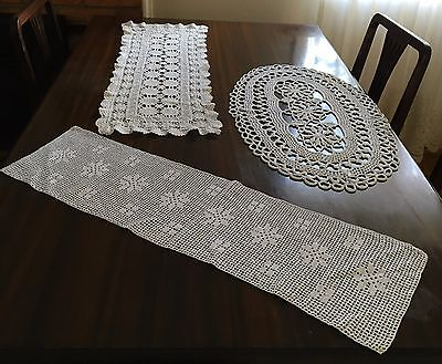 HAND CROCHET 3 Centre Pieces & 12 Doilies - Exc Cond