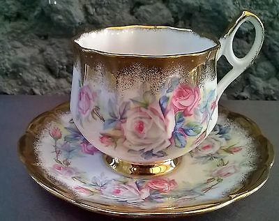 Heavy Gold Spray Beautiful Flowers Vintage Elizabethan Tea Cup & Saucer Set