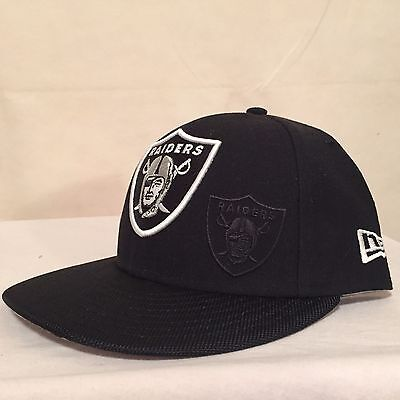 """NFL Oakland Raiders 7 3/8"""" (58.7 cm) 59FIFTY Blackout Low Profile by New Era"""