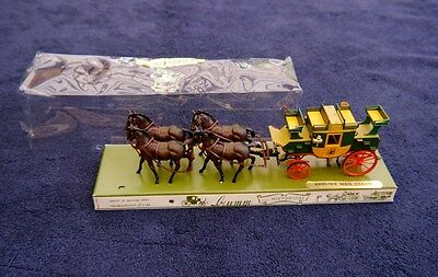 BRUMM HISTORICAL CARRIAGES - ENGLISH MAIL COACH w/DOUBLE PAIR DRAUGHT HORSES
