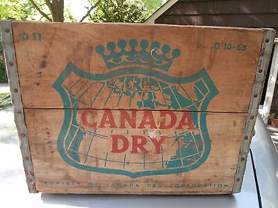 Vintage Canada Dry Ginger Ale Soda Wood Crate/Box D10-65  D11
