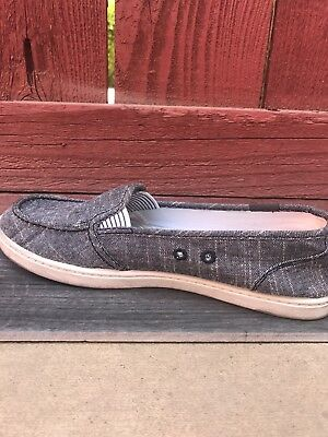 Women's Roxy slip ons (casual and comforting) size 9