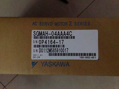 Yaskawa Servo motor SGMAH-04AAA4C NEW IN BOX !!**via DHL or EMS