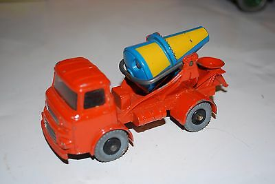 Dinky Toys Supertoys no. 960 Lorry Mounted Concrete Mixer Truck