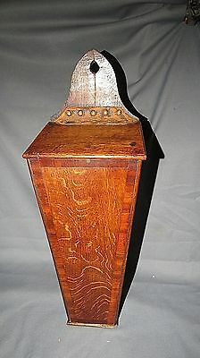 A FINE EARLY 19th CENTURY TIGER OAK CANDLE BOX