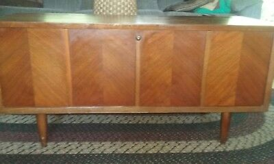 Lane Cedar Lined Hope Blanket Chest, Mid Century Modern