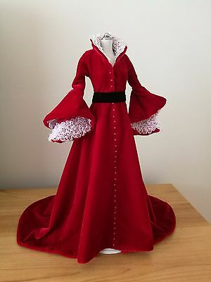 Franklin Mint - Scarlett O'Hara (Regal Red Robe) Outfit
