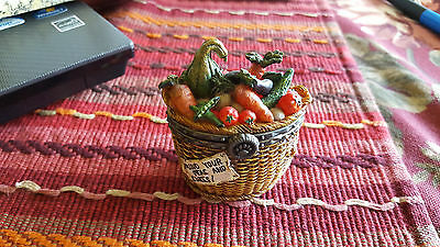 2 ED / 249 Boyds Tillie's Veggie Basket Teasure Box #392132