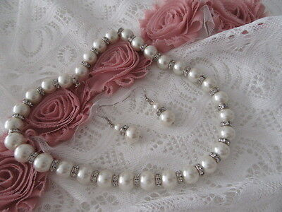 Gorgeous New!    Faux Pearl  Necklace And Earrings Set       Gorgeous