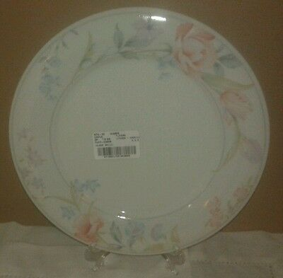 "Limoges - American ""Flowers"" Dinner Plate"