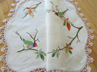 Divine Vintage Embroidered **birds & Autumn Leaves** Table Centre Piece Doily