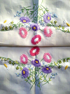 Stunning Astors/mums/forgetmenots Florals ~Vintage Hand Embroidered Centre/Mat