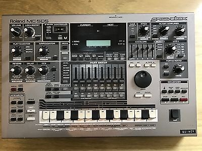 Roland MC-505 GrooveBox Synthesizer Drum Machine