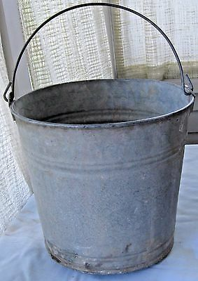 Vintage Behrens Galvanized Water Bucket Farm Barn Pail Wire Bail Handle 2.5 Gal.