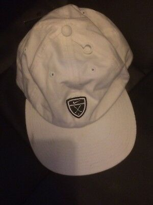 Bnwt Nike Golf Cap. One Size Fits All, Minor Fault
