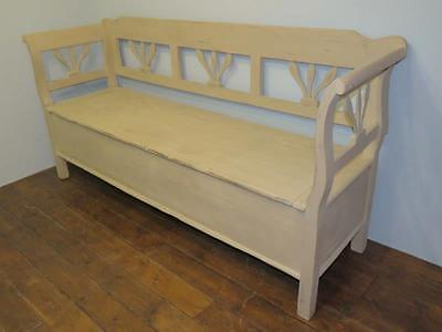 Antique Painted Pine Farmhouse Box Settle / Bench With Storage / Pew Seat 1880