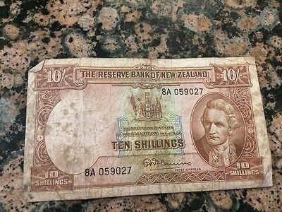 Reserve Bank of New Zealand Ten Shillings Note Serial # 8A 059027