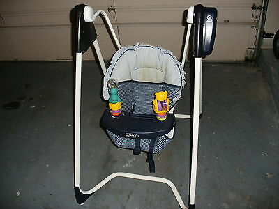 Graco Reclining Baby Swing Rocker Vtg 6 Speed Control 15 Songs Music Timer Toys