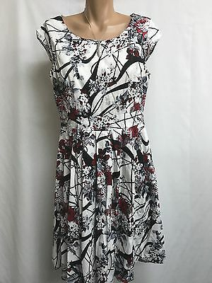Leoni Size 12 Striking Red,grey,black And White Floral Cotton Dress