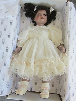 HILLVIEW LANE limited edition TABITHA 50cm porcelain DOLL  certificate & BOX
