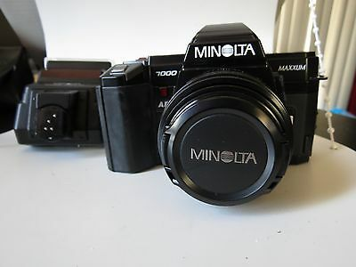 Minolta Maxxum Auto Focus 35mm Film SLR Camera|- Maxxum AF 50mm lens  & Flash