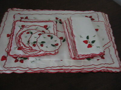 Intage Irish Linen Table Set 44 Items Hand Embroidered Applique Strawberries
