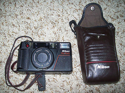 Nikon OneTouch 35mm AF Auto-Compact Film Camera Tested One-Touch 1:2.8 Lens