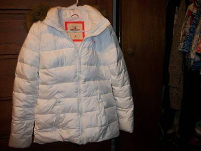 Hollister puffer hooded white jacket with faux fur trim - ladies size M Medium