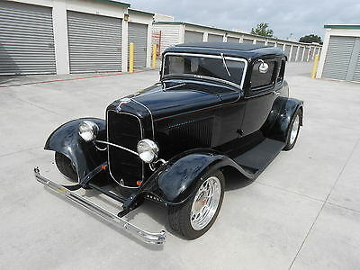 1932 Ford 1932 Ford Model 18  1932 Ford 5 Window Coupe Vintage Steel 32 Deuce Street Rod