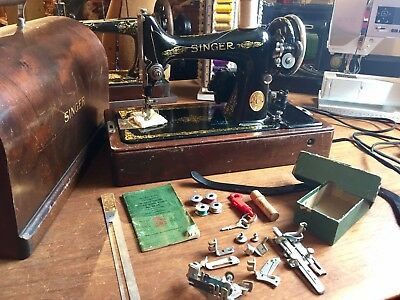 Vintage SINGER Portable Sewing Machine 99-13 Wooden CASE Knee Control WORKS! +EX