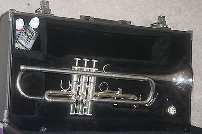 Yamaha B Flat Trumpet Silver plated Monel Valves YTR2330S
