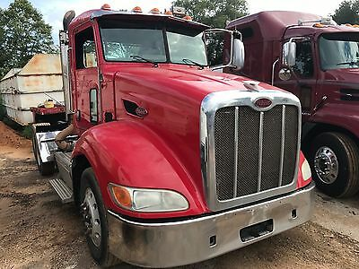 2012 Peterbilt Day Cab