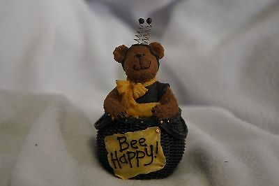 Boyds Town Village Style Misc Unbranded Bee Happy Buzz 2004