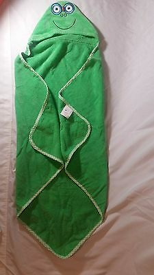 BRAND NEW Green frog childrens hooded towel